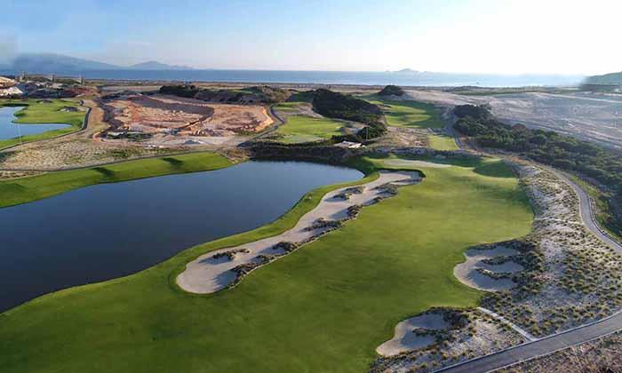 Sân golf 27 lỗ